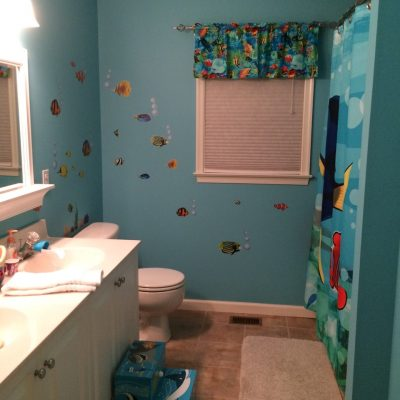 Cute Finding Dory Bathroom with Tropical Fish