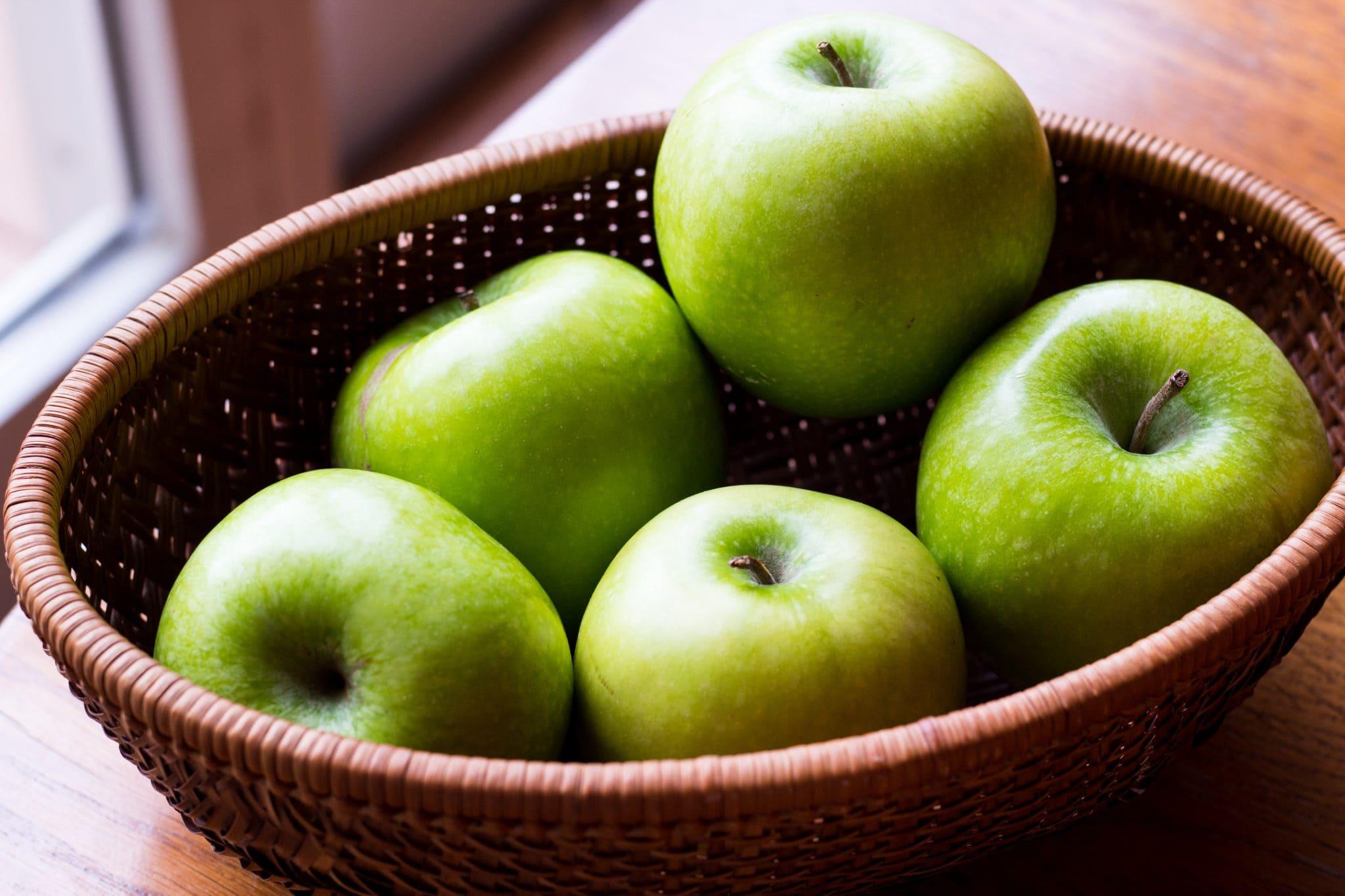 Yummy Easy Apple Craisin Crisp