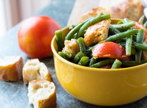 Tuscan Green Bean Panzanella Salad with Red Wine Vinegar