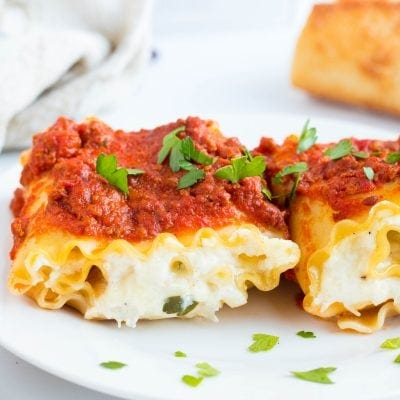 Cheesy Chicken Lasagna Roll Ups