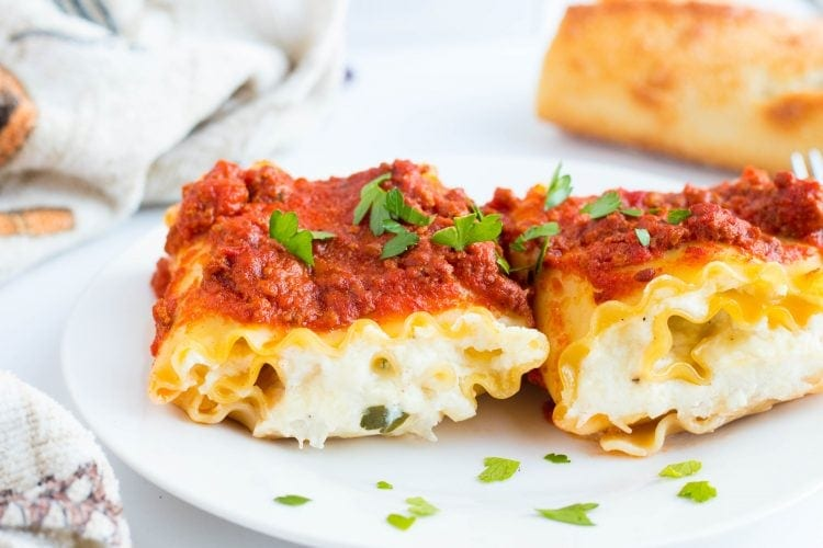 Cheesy Chicken Lasagna Roll Ups