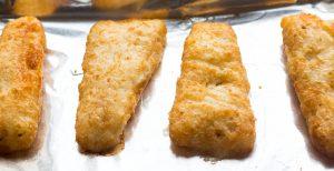 Fish Cakes with Sriracha Aioli Sauce