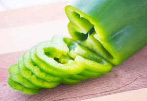 thinly sliced green bell peppers