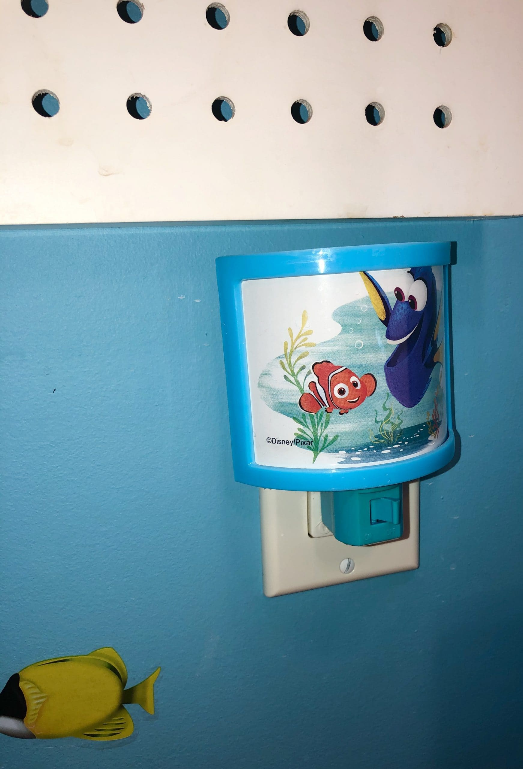 DIY Disney Finding Dory Themed Bathroom
