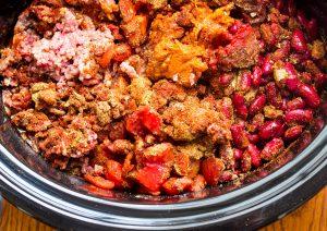 how to make beef and chorizo chili recipes