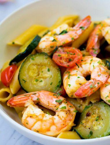 Garlic Shrimp & Zucchini Pasta